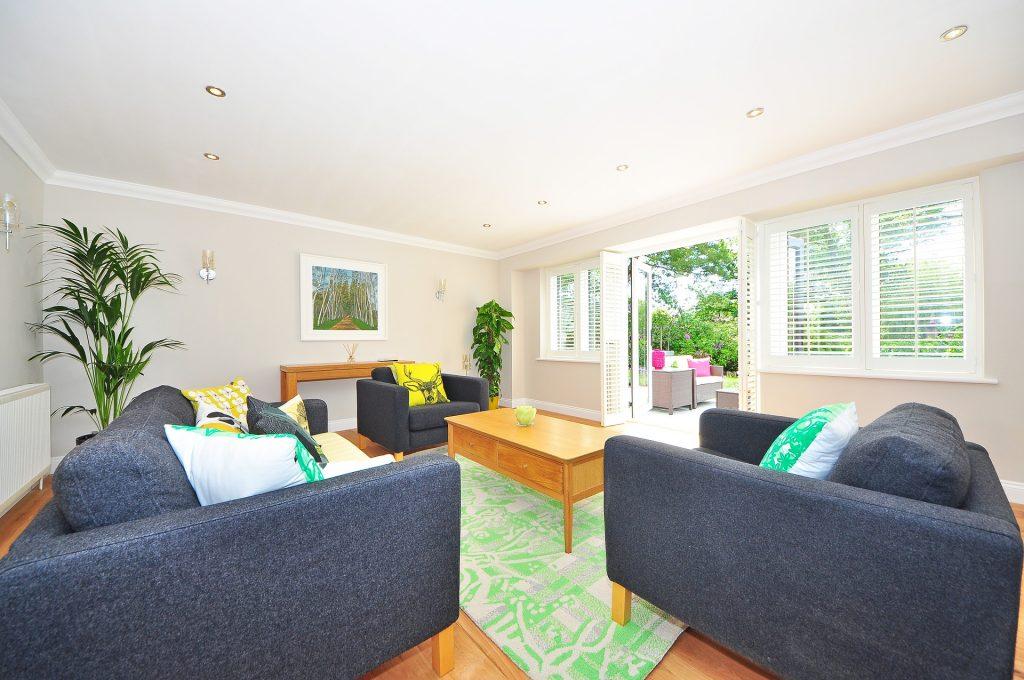 Beautiful Wooden Floor Design Ideas for Living Room