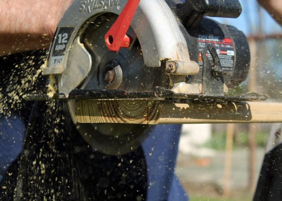 Left Handed Circular Saw Featured