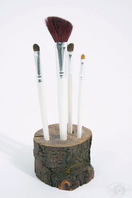 DIY Make-Up Brush Storage