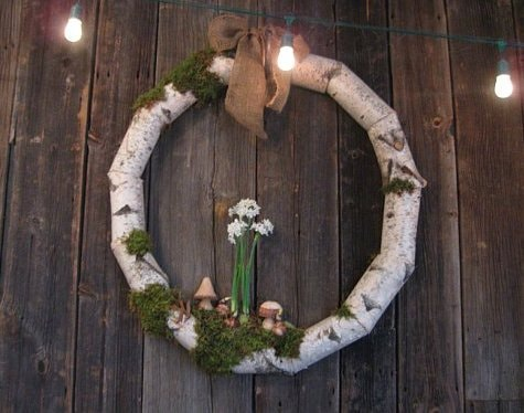 Holiday Birch Wreath with Terrain