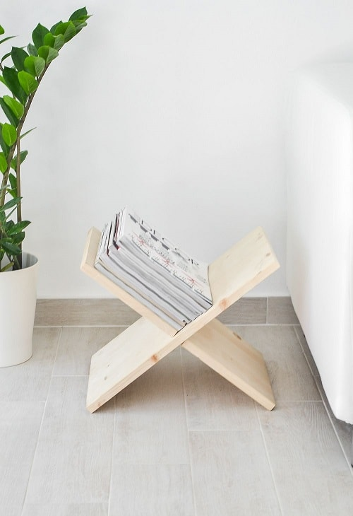 DIY Wooden Magazine Holder