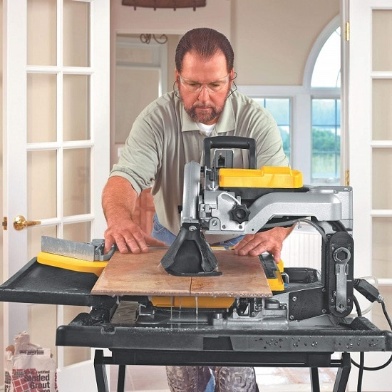 DEWALT D24000 1.5-Horsepower 10-Inch Wet Tile Saw Cutting